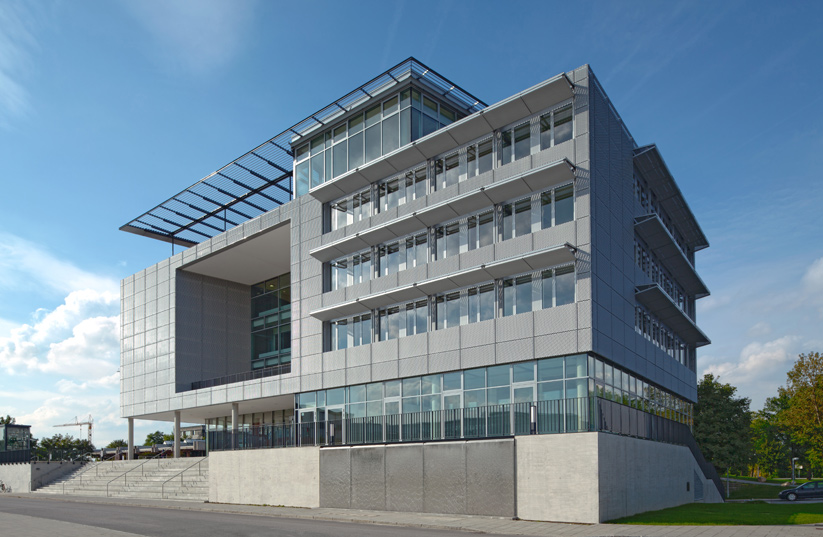 <b>client: </b>bmw ag  I  <b>project:</b> documentation ias garching  I  <b>architects:</b> fritsch & tschaidse architekten, munich