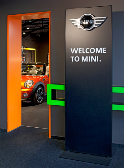 <b>client: </b>mini germany &nbsp;I&nbsp; <b>project:</b> architectural-, interieur photography mini dealers
