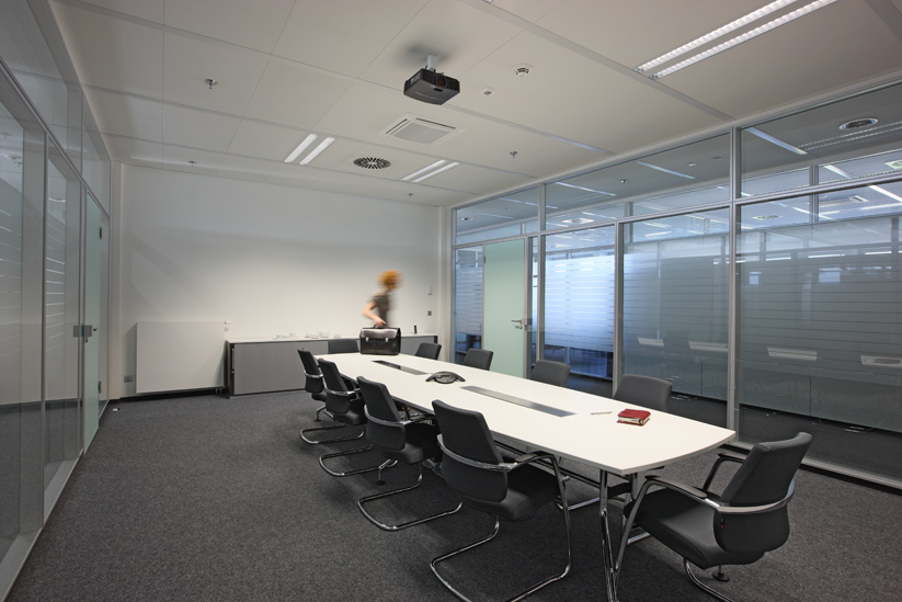 <b>client: </b>ophelis gmbh  I  <b>project:</b> interieur photography office furniture
