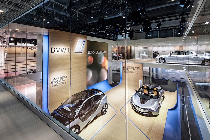 <b>kunde: </b>bmw group &nbsp;&nbsp;<b>projekt: </b>messefotografie auto china beijing 2012	&nbsp;&nbsp;<b>architekt: </b>mutabor