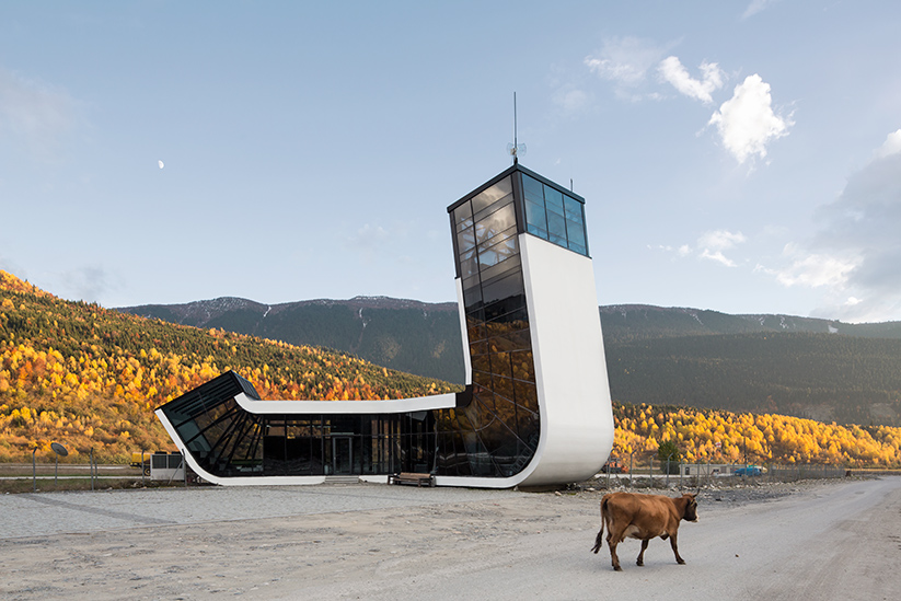 <b>kunde: </b>architect magazine   <b>projekt: </b>airport mestia, georgien   <b>architekt: </b>j. mayer h. architects