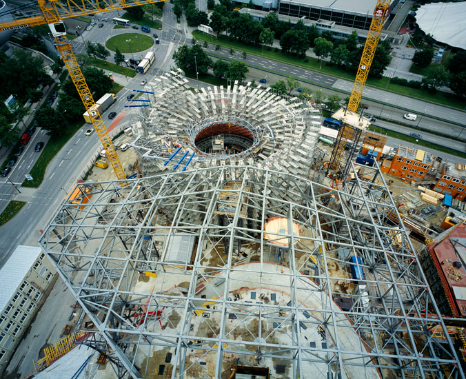 bmw ag &nbsp;I&nbsp; <b>project:</b> documentation construction works 2003-2007 book, for press communication &nbsp;I&nbsp; <b>architect:</b> coop himmelb(l)au